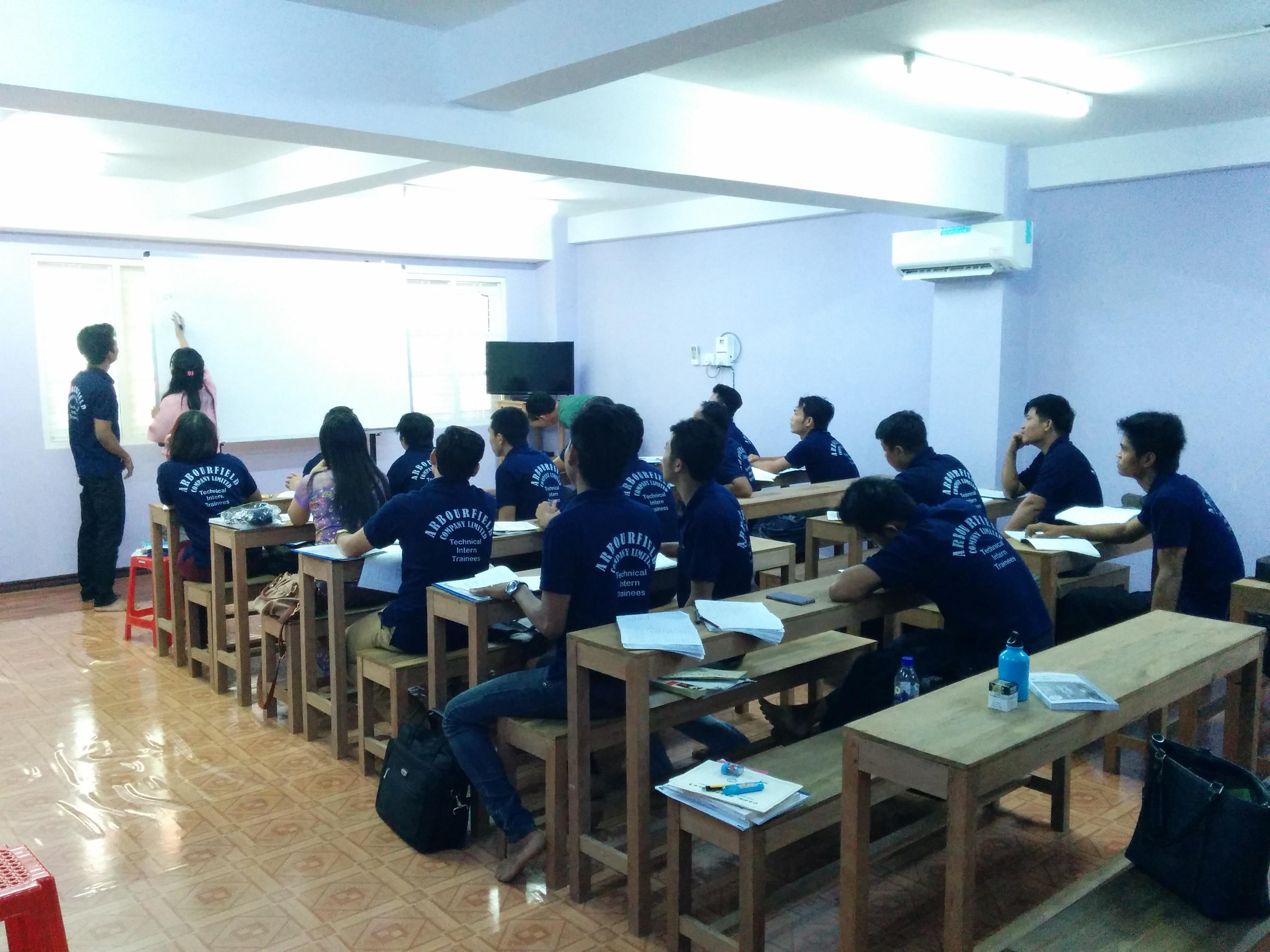 ミャンマー日本語学校