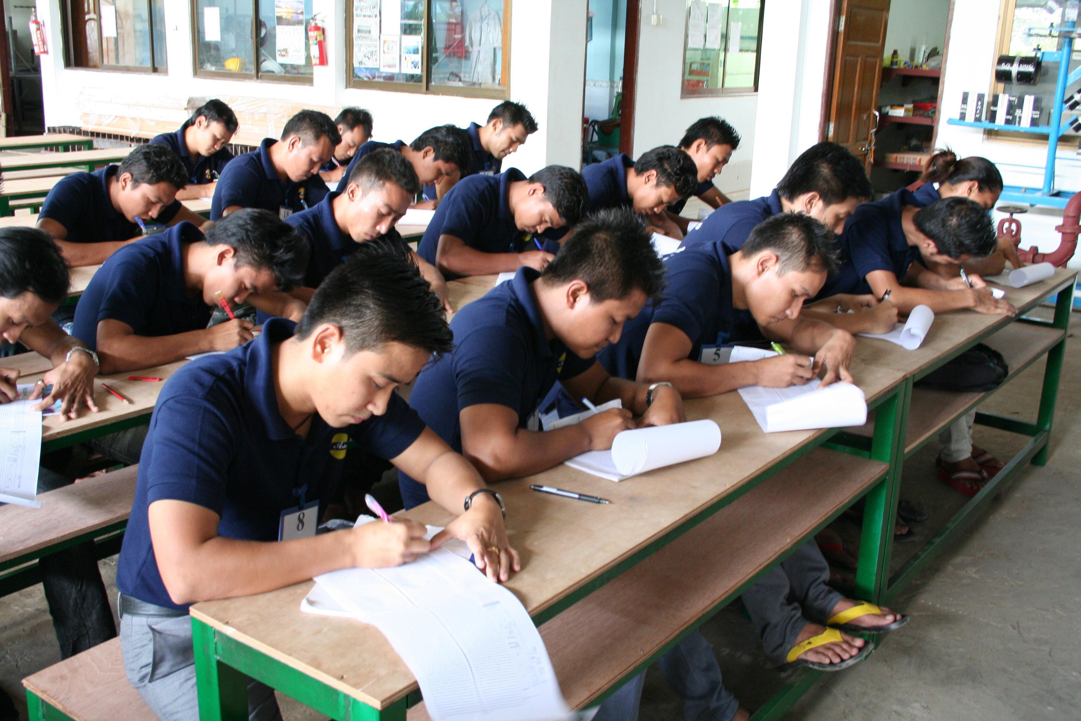 ミャンマー日本語教育と学校の体制