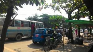 ヤンゴン郊外の様子