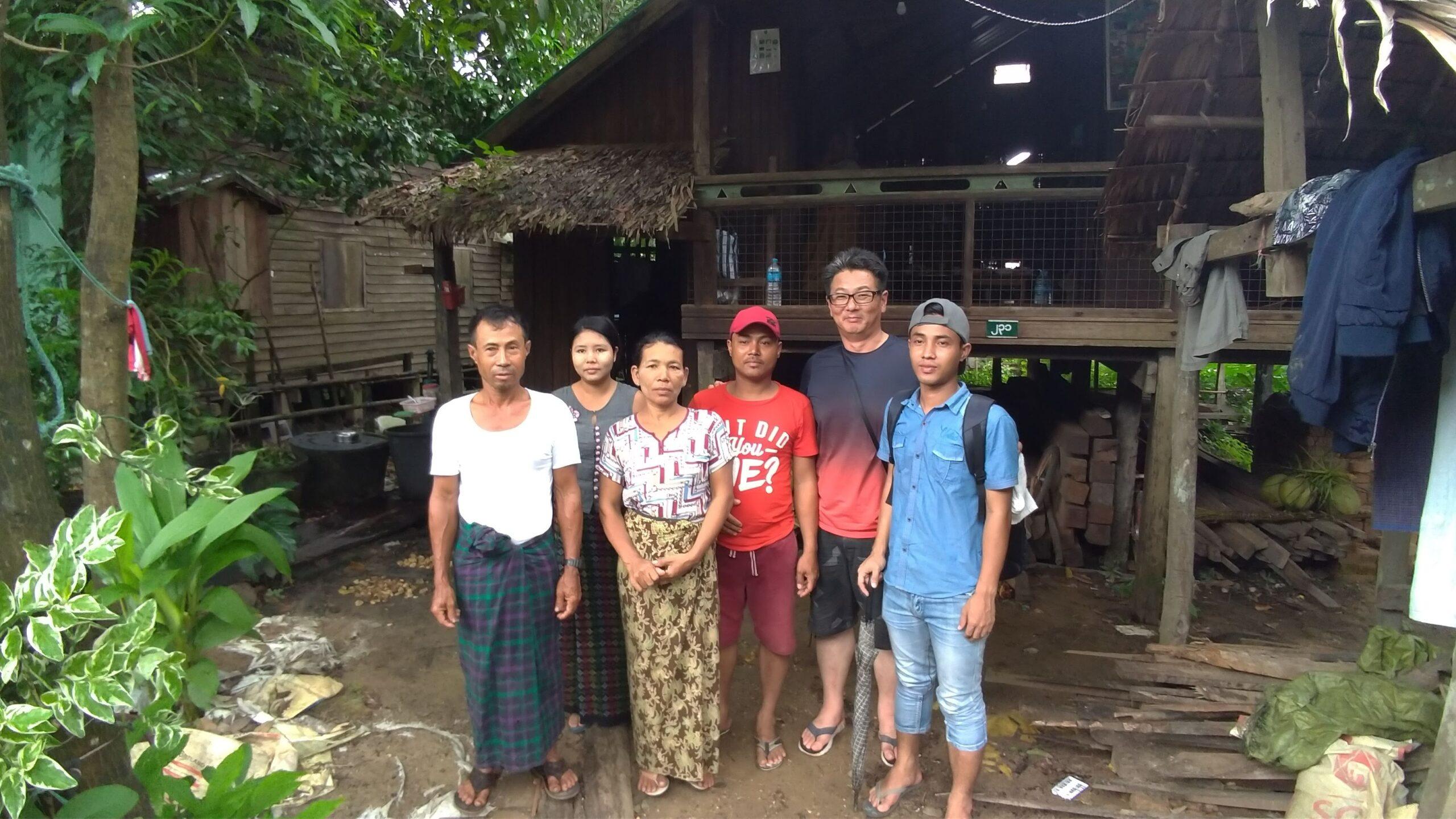 はるばるパテインまで。小舟にも乗って実習生の田舎の村へ家庭訪問
