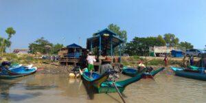 ミャンマー人技能実習生の家庭訪問-ボートで向かう