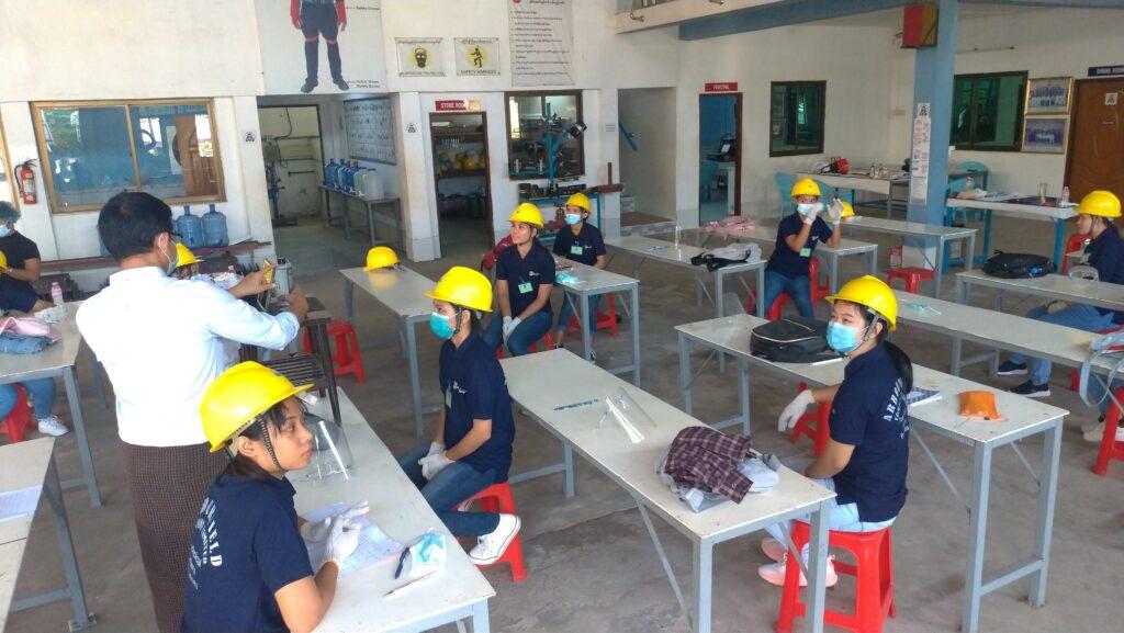 ミャンマー人女性-技能実習生面接